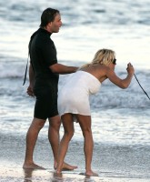 Pamela Anderson never leavs the Beach