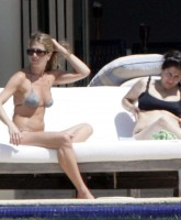 Jennifer Aniston Relaxing