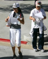 Vanessa Hudgens does the fit routine
