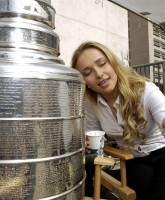 Hayden Panettiere making out with