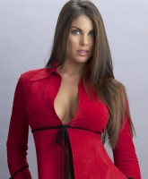 Nadia Bjorlin brightens up days