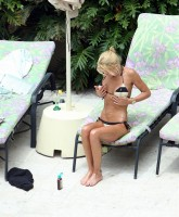 Tara Reid Loves that Bikini