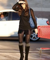 Kate Beckinsale Shopping