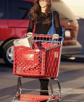 Kate Beckinsale hits the Grocery in Style