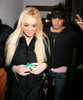 Lindsay Lohan with added Tobacco!