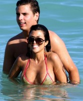 Kourtney Kardashians day at the beach