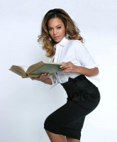 Beyonces sexy Office Girl attire