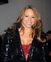 Mariah Carey wants you to touch her body