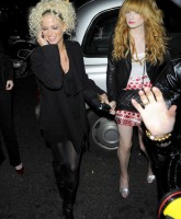Sarah Harding likes to stick it out