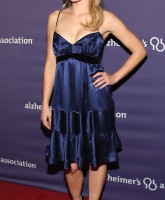 Kristen Bell looks Beautiful in Blue.