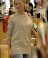 Cameron Diaz shops for her Sexy Feet