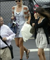 Maria Sharapova shopping in Miamig