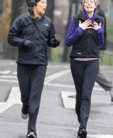 Anne Hathaway & Kate Hudson in new movie