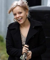 Lily Allen blonde and tattered