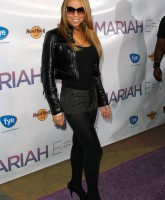 Mariah Carey, micro skirt