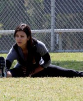 Kim Kardashian does a Beautiful Leg Split