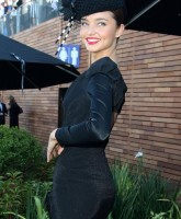 Miranda Kerr all covered up at the races