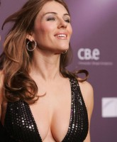 Elizabeth Hurley boobs