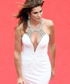 Cindy Crawford Strikes A Pose At Cannes