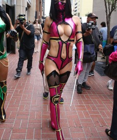 Adrianne Curry Is Hot. Obviously.