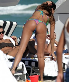Hot Bikini Pics Of Aida Yespica In Miami