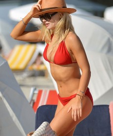 Sexy Bikini Shots Of Emma Rigby In Miami.