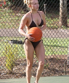 Sexy Hayden Panettiere Plays A Little Bikini Basketball