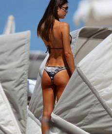 Sexy Brazilian Model Julia Pereira Looks Smoking Hot In Miami
