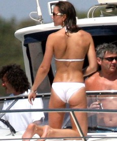 Kate Middleton Rocks A White Bikini