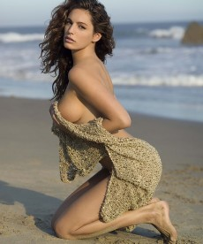 Kelly Brook Is Stunning In This Older Beach Photo Shoot.