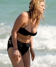 Kesha Wears Your Grandmother's Bathing Suit