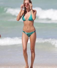 Gorgeous Lauren Stoner Bikini Pics