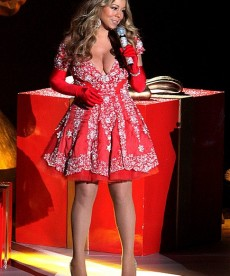 Mariah Carey Gets In The Christmas Spirit Early.