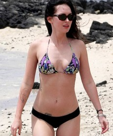 Megan Fox And Brian Austin Green In Hawaii