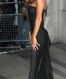 Nicole Scherzinger Gets Her Glam On