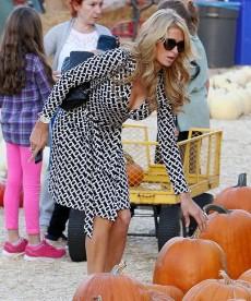 Paris Hilton Almost Lets Her Boobs Flop Out At The Pumpkin Patch