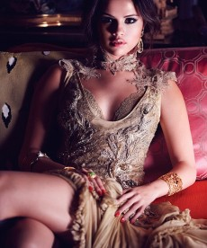 Selena Gomez Glams It Up
