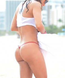 Jennifer Nicole Lee Is Nearly Nude On South Beach